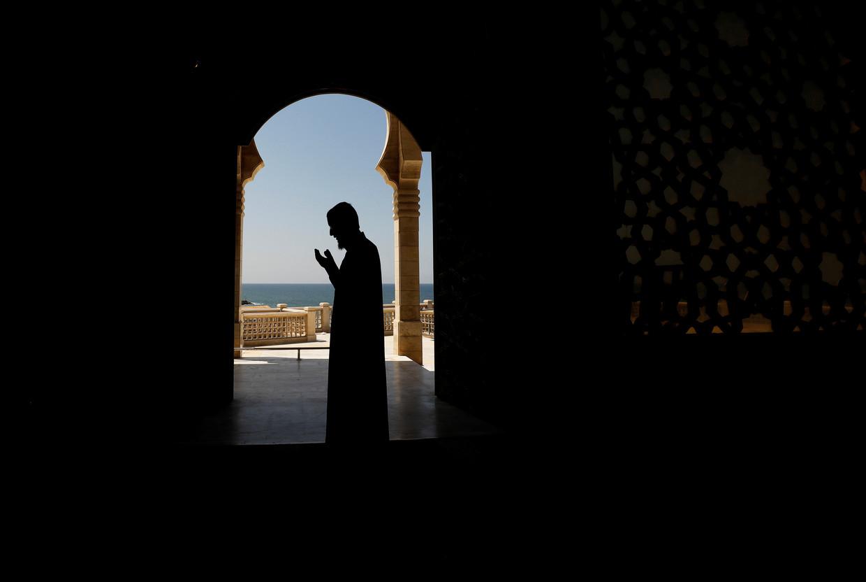 'Arbeid is iets goeds, iets spiritueels zelfs, dat net zoveel bij de aanbidding van God hoort als naar de moskee gaan of gewoon bidden.'  Beeld REUTERS