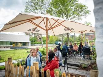 """Zomerbar 't Oudt School is meteen schot in de roos: """"Willen vaste waarde worden in Hombeek"""""""