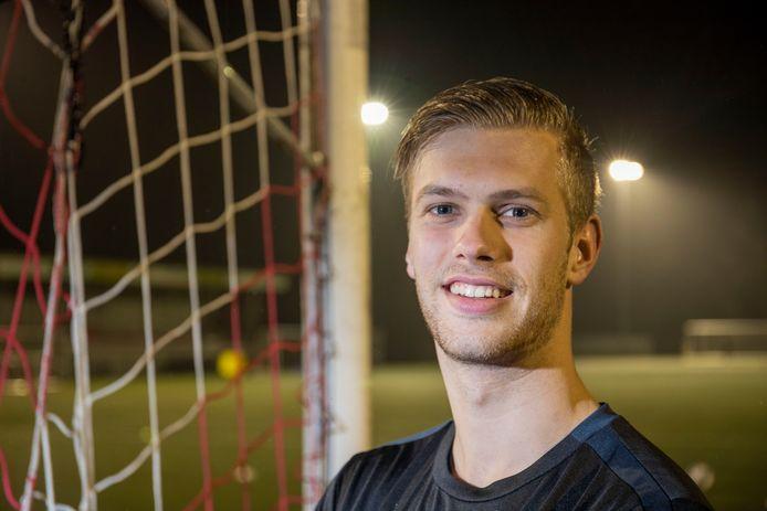 Dion van Toorn completeert komend seizoen het keeperstrio van GVVV.