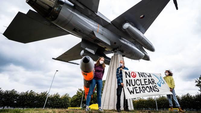 NAVO-topman Stoltenberg bij 'nucleaire oefening' op vliegbasis Volkel, indirecte bevestiging van publiek geheim