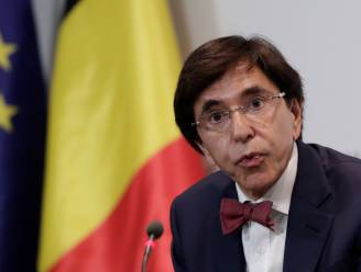 Elio Di Rupo sluit deur voor deelname PS aan nieuwe 'Zweedse' regering