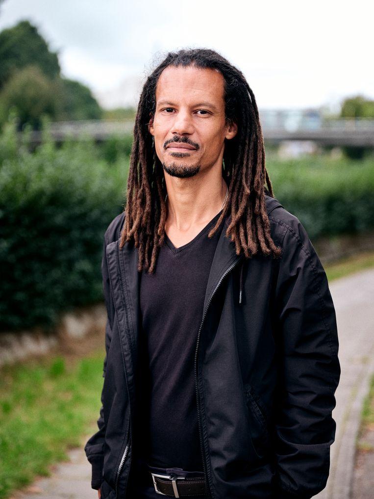 Sibo Kanobana: 'Woke wordt vooral gebruikt als een scheldwoord. Door mensen die vóór de status quo zijn en het op een negatieve manier hanteren.'  Beeld Joris Casaer