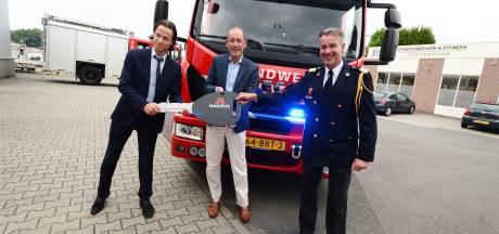 Gloednieuwe tankautospuit Brandweer Twente beleeft  vuurdoop in Delden
