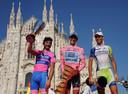 Het oorspronkelijke eindpodium van de Giro d'Italia 2011, met v.l.n.r.: Scarponi (tweede), Contador (winnaar) en Nibali (derde).