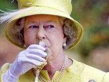 Le Martini quotidien, c'est fini: la reine Elisabeth II doit arrêter de boire sur conseils de ses médecins