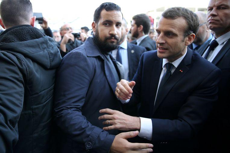 Archiefbeeld - Alexandre Benalla (l.), de ex-veiligheidsmedewerker van de Franse president Macron (r.)