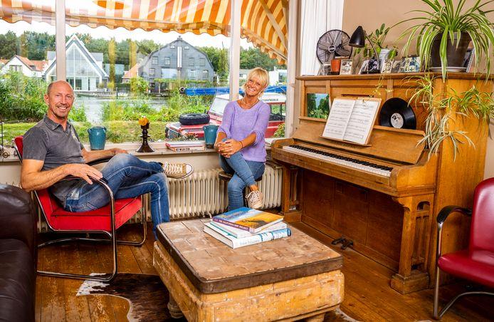Joke en haar man Marc wonen in hun droomhuis aan de Rotte in Rotterdam.