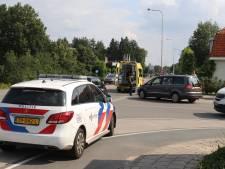 Wielrenner botst met auto in Putten