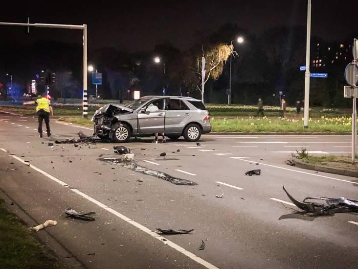 Grote ravage bij botsing tussen twee auto's in Eindhoven