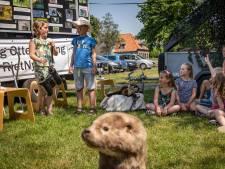 Drie otterlessen in Steenwijkerland van Auke en Ingrid in hun ottermobiel: 'Er is zoveel te vertellen'