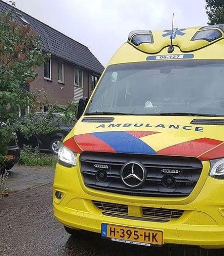 Ongeduldige automobilist krijgt wind van voren na kritiek op ambulance op zijn pad: 'Kan ik er nu door?'