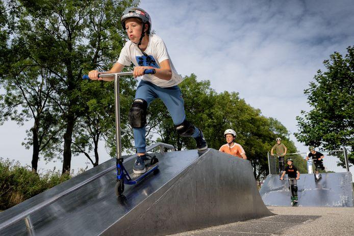 De skatebaan in Rosmalen is in een niet al te beste staat volgens de jeugd die er dagelijks komt sporten.