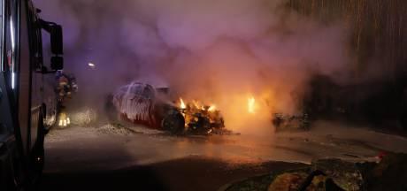 Uitgebrande auto's Cuijk: nog geen aanhoudingen na buurtonderzoek