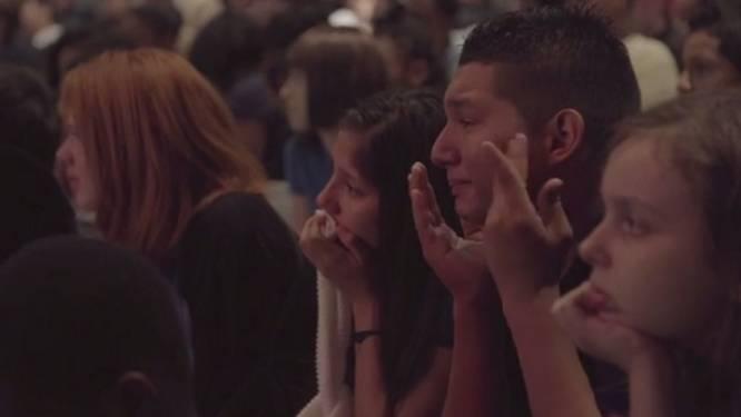 Worstelkampioen brengt hele school aan het huilen met ongelofelijke speech