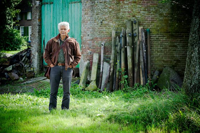 De inmiddels overleden Mathijs Souhoka, oud-bewoner van Kamp Conrad in Rouveen, nam het initiatief voor het boek dat binnenkort verschijnt.