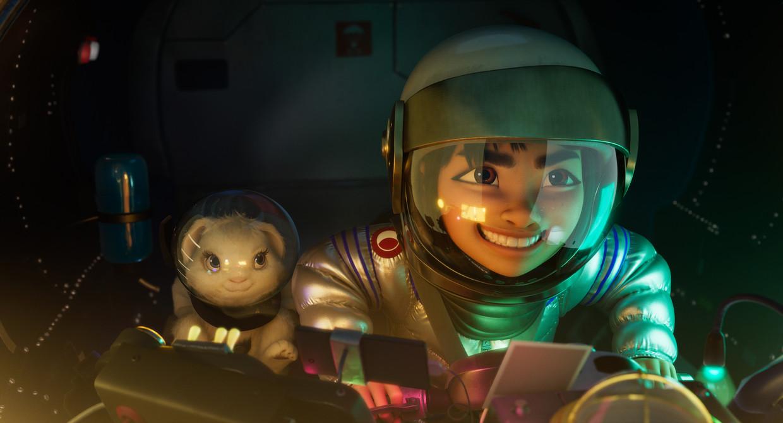 Still uit 'Over the Moon', waarin het Chinese meisje Fei Fei de wereld ontvlucht met een zelfgebouwde raket.  Beeld Netflix