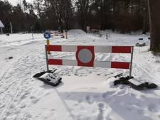 Toeristenweg Sallandse Heuvelrug blijft dicht tot de dooi invalt: Besluit niet te strooien moet vegetatie beschermen
