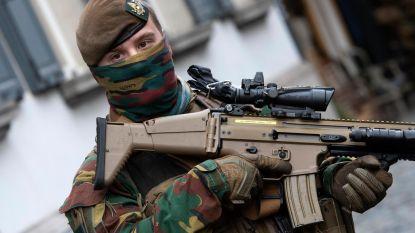 """Baas landmacht slaakt noodkreet: """"Uitbetaling van lonen militairen komt in gevaar"""""""