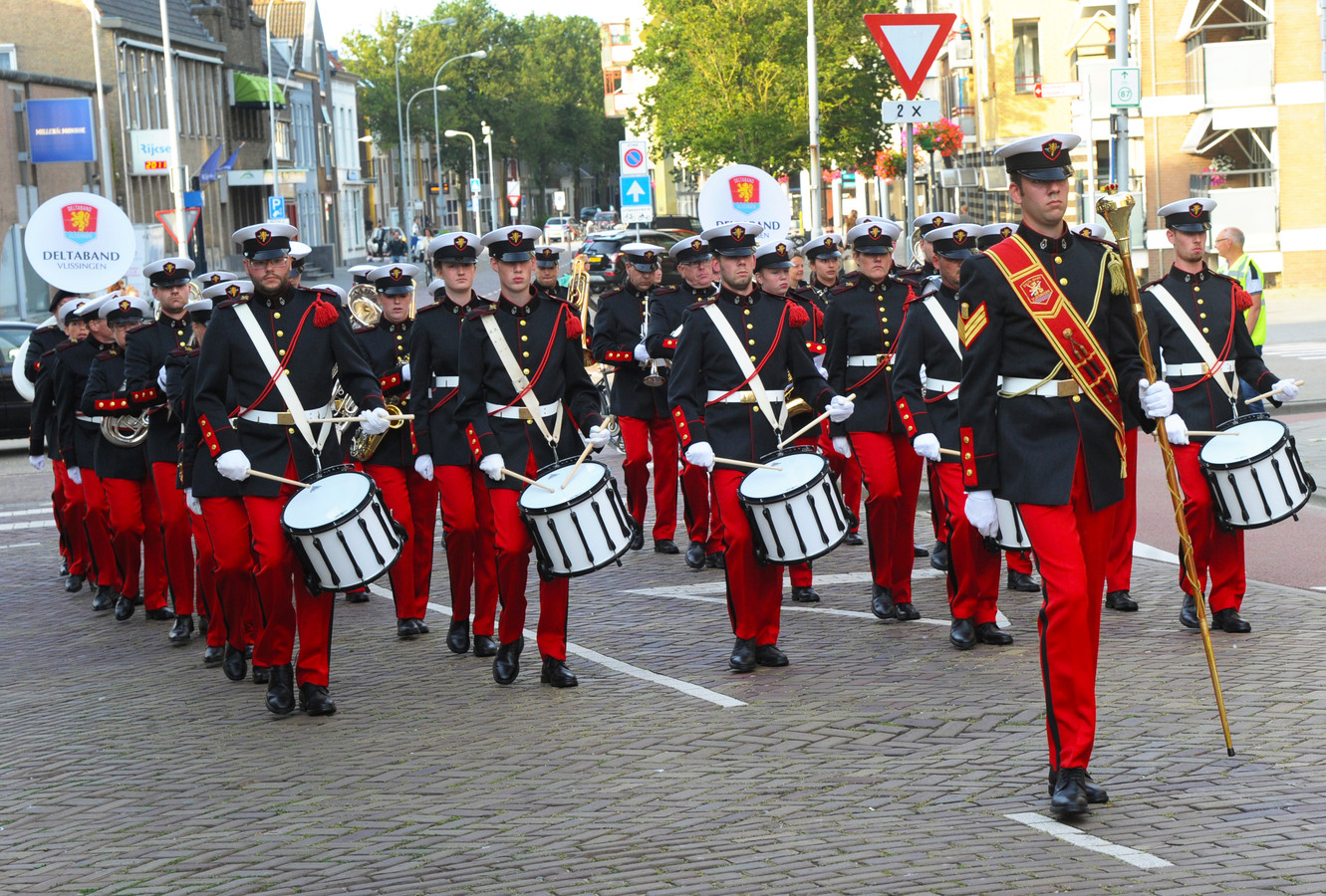 Nieuwe uniformen voor de Delta Band