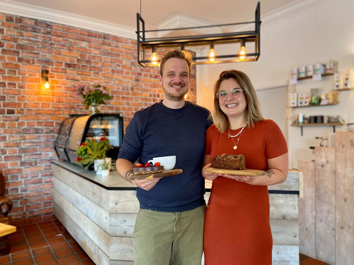 Jasmin Van Damme en Anthony Van Aerde hebben in Schoten een koffiebar met traiteurwinkeltje Faim Finit geopend