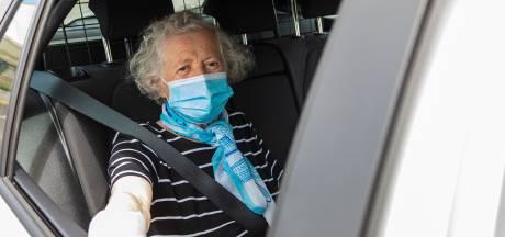 Raadslid: breng Leidse ouderen met taxi naar vaccinatiehal