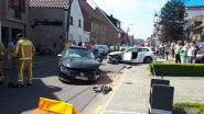 Vijf mensen, onder wie drie kinderen, gewond bij frontale botsing in Sint-Lievens-Houtem