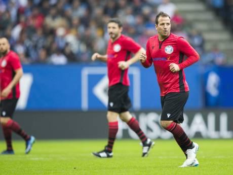 Shirts van onder anderen Van Bommel en Van Nistelrooij uit afscheidsduel Van der Vaart geveild