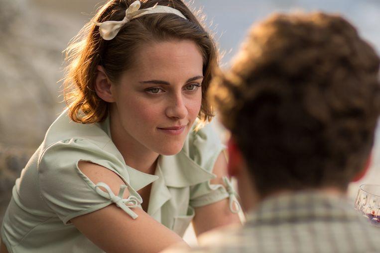 Kristen Stewart in Woody Allens film Café Society. Beeld null