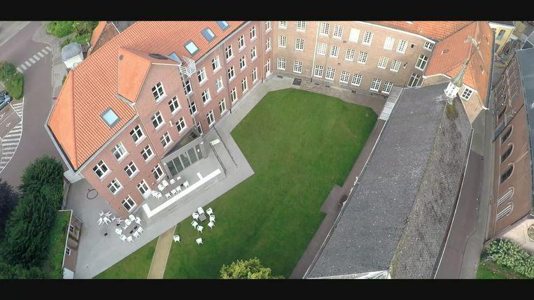 Een luchtbeeld van het voormalige Zwartzustersklooster.