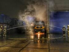 Opnieuw vrachtwagen in vlammen op in Den Dolder na brandstichting