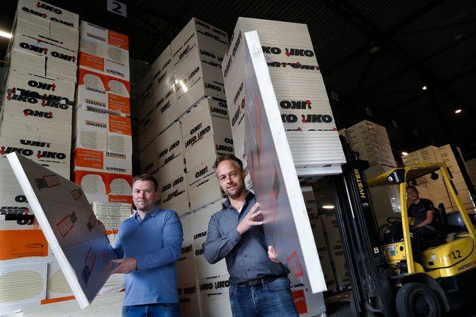 Martijn (links) en Tim van de Isolatieshop Zevenaar.