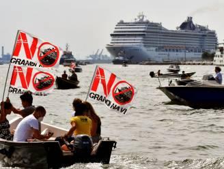 Protest in Venetië bij uitvaren eerste cruiseschip sinds virusuitbraak