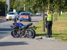 Motorbestuurster gewond bij botsing met auto op bedrijventerrein Apeldoorn