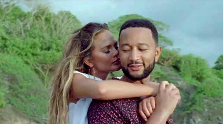 John Legend en Chrissy Teigen in de videoclip van 'Wild'
