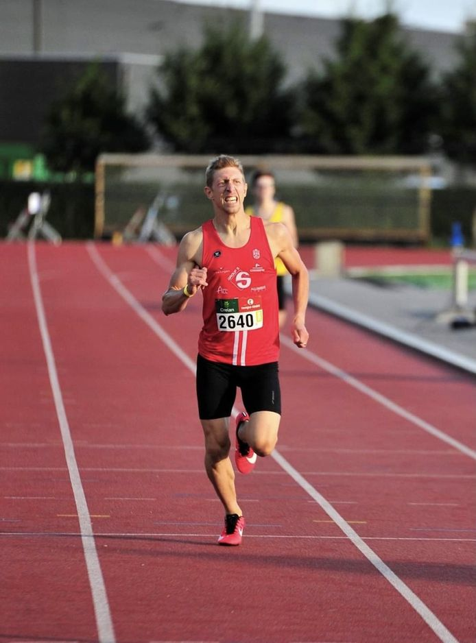 Jasper Allonsius kiest voor afstanden van 400 tot 1500 meter.