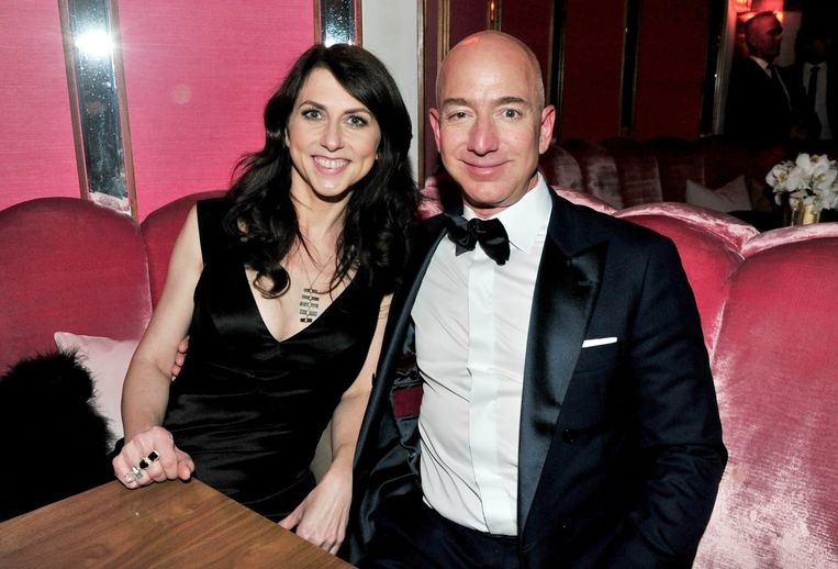 Jeff Bezos en zijn ex-vrouw MacKenzie Scott.  Beeld © Getty