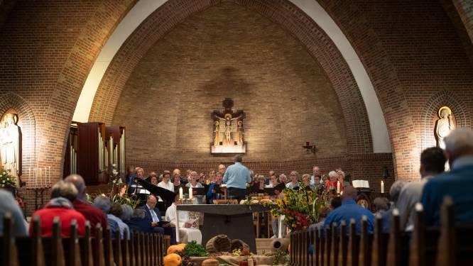 Vrijwilligers als fundament van katholieke kerk Enter: 'Anders kunnen we over vijf jaar wel sluiten'