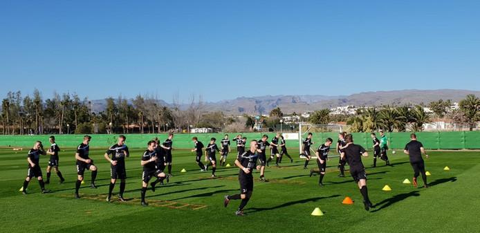 Hoofdklasser RKZVC uit Zieuwent traint deze week op Gran Canaria.