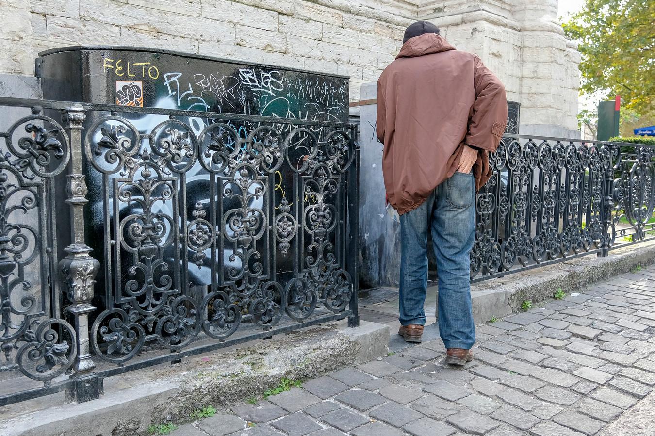 Een openbaar urinoir bij de Sint-Katelijnekerk.