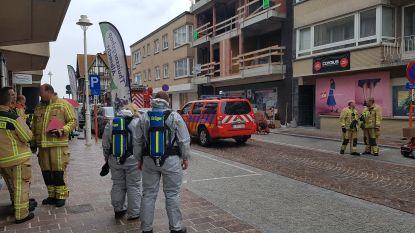 Opschudding door omgevallen fles ammoniak: gebouw ontruimd, brandweer neutraliseert