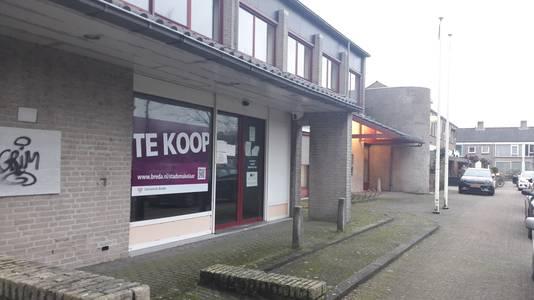 Het oude Rabobankgebouw aan het Willem Alexanderplein in Teteringen