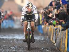 Valpartij Van der Poel zorgt heel even voor spannende Azencross