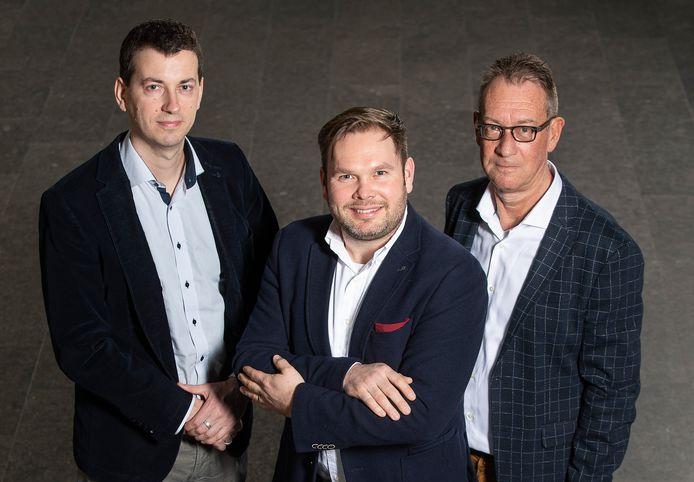 Stijn Teugels, de nieuwe voorzitter van Unizo-Temse (centraal), met financieel beheerder Johan Nees en secretaris Jean-Marie Van Hoeylandt.