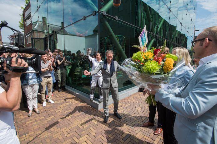 Tilburg    <br />Het Textielmuseum wint de Museumprijs van 2017 en wint daarmee 100.00 euro. In het midden museumdirecteur Errol van de Werdt.