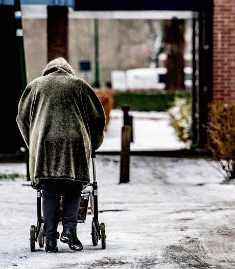Hoogbejaarde Annie (96) kan niet naar Almelo voor vaccin: 'Hoe kom ik daar in hemelsnaam'