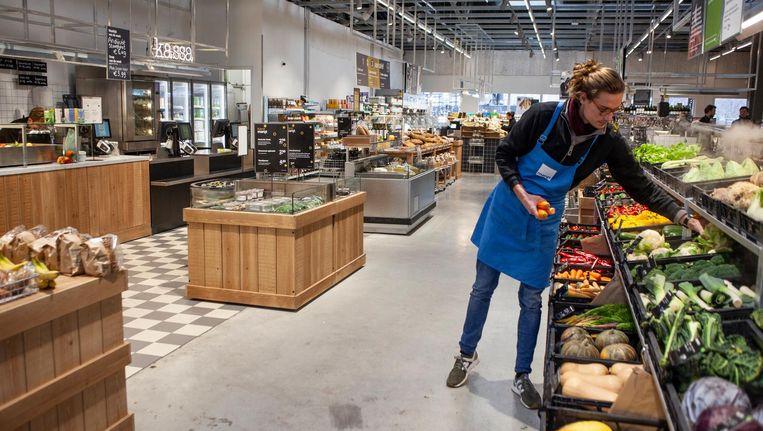Amsterdam, 1 Oostenlijke Handelskade, winkelcentrum Brazilie, Marqt. Beeld Lin Woldendorp