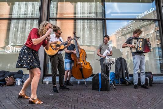 Tess et les Moutons willen Franse chansons terugbrengen naar de Nederlandse poppodia.