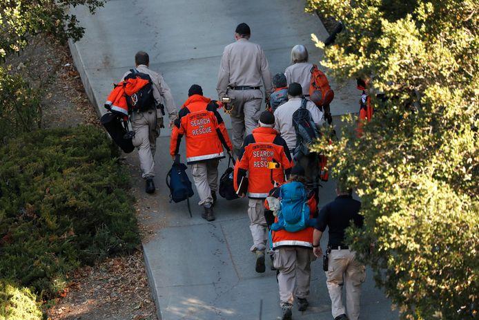 Search and Rescue-teams gaan naar het huis waar de schietpartij plaatsvond tijdens een Halloweenfeestje.