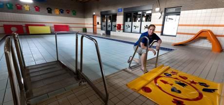 Wekelijks uurtje naaktzwemmen in Someren: Proef bij zwemschool De Abeel