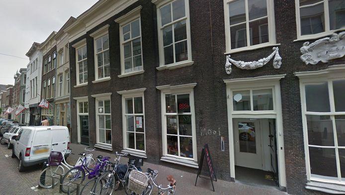 De klusappartementen bevinden zich in hetzelfde pand als DOOR op de Voorstraat.